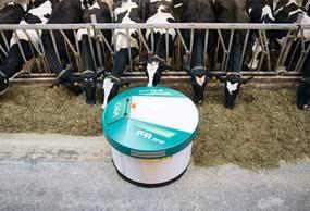 gea-dairyfeed-f4800-popychacz-paszy-min