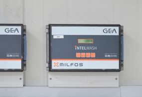 gea-milking-hygiene-intelwash-automatic-wash-system-min